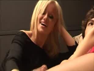 Cfnm super heiße weibliche dominanz skanks